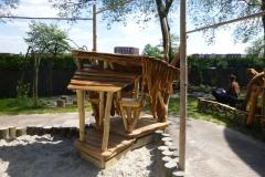 houten-huisje-speelzand-zandbak