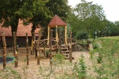 Speelhuisje-hout-achtertuin