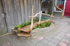 speelhuisje-houten-vlonder