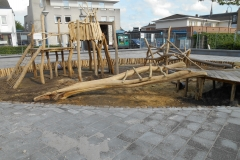 Speeltoestel-schoolplein-hout